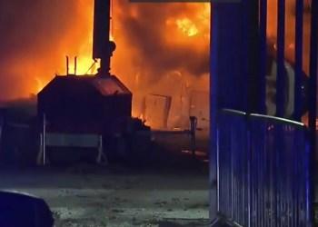 Helikopter Pribadi Bos Leicester City Jatuh dan Terbakar Dekat Stadion 1