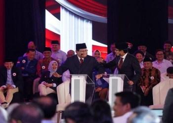 Pasangan Prabowo Subianto-Sandiaga Uno saat debat perdana Calon Presiden (Capres) dan Calon Wakil Presiden (Cawapres) di Ruangan Birawa Assembly Hall, Hotel Bidakara, Pancoran, Jakarta Selatan pada Kamis (17/1/2019. Foto: Istimewa