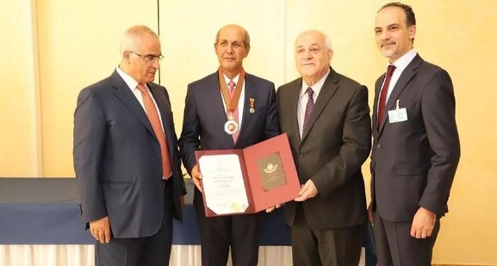 Hasan Kleib terima tanda bintang jasa dari Presiden Palestina. Foto: detikNews