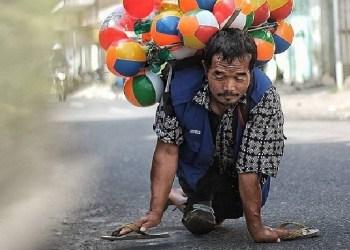 Pak Setu jualan balon. Foto: Instagram