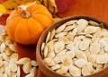 Makanan yang bisa meningkatkan daya ingat salah satunya biji labu. Foto: Bisnis