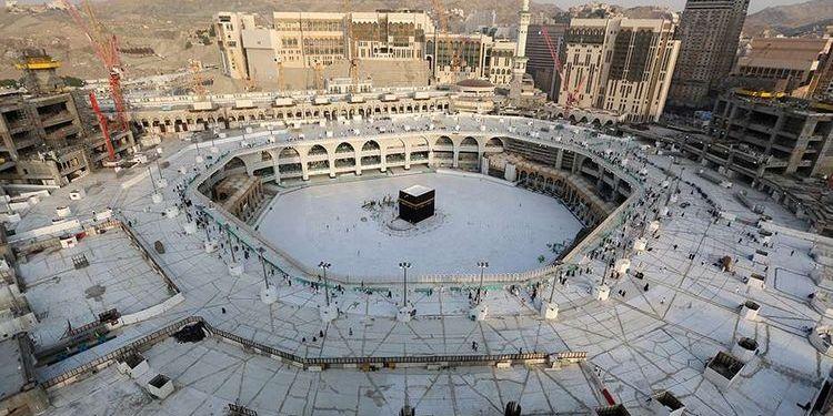 Arab Saudi tiadakan shalat Tarawih berjemaah di masjid untuk mencegah penyebaran Covid-19. Foto: Kompas