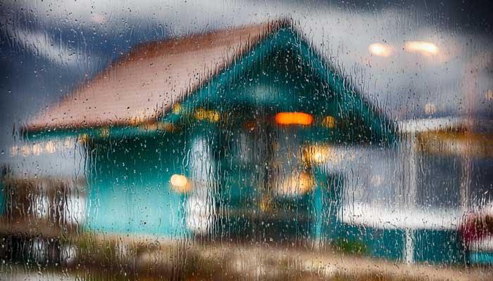 Tidak Shalat Berjamaah karena Hujan