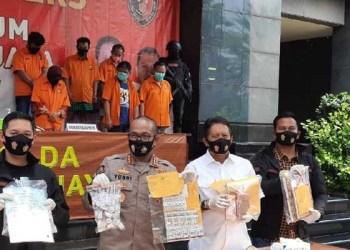 Polisi rilis kasus aborsi di Jalan Raden Saleh, Jakpus. Foto: Detik/Yogi Ernes