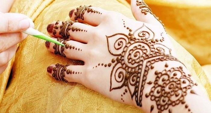Wanita Pakai Henna, Ini Hukumnya Menurut Islam 1
