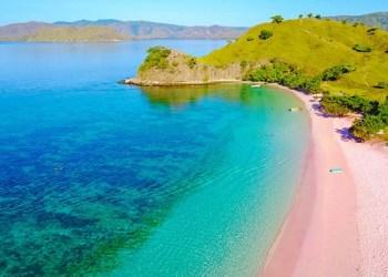 Liburan ke Pink Beach, Destinasi Favorite di Labuan Bajo 3