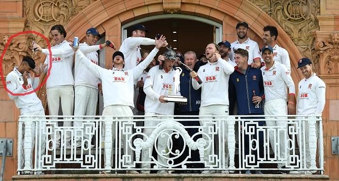 Insiden saat selebrasi kemenangan tim kriket Essex. Foto: The Times