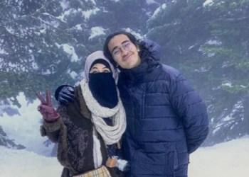Umi Pipik bersama anaknya, Abidzar Al Ghifari. Foto: Intipseleb