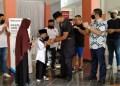 Kampus Widyatama dan mantan Wakapolri berikan donasi kepada ponpes di Bandung.  Foto: Saifal/Islampos