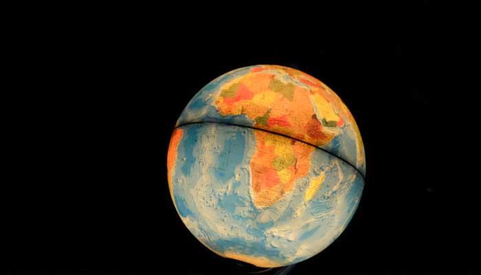 Penyakit Cinta Dunia, Gravitasi Bumi