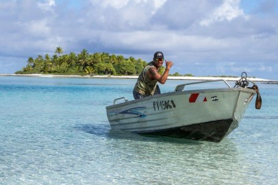 Small boats allowed us to zip across the lagoon to quickly access our transect or other study sites