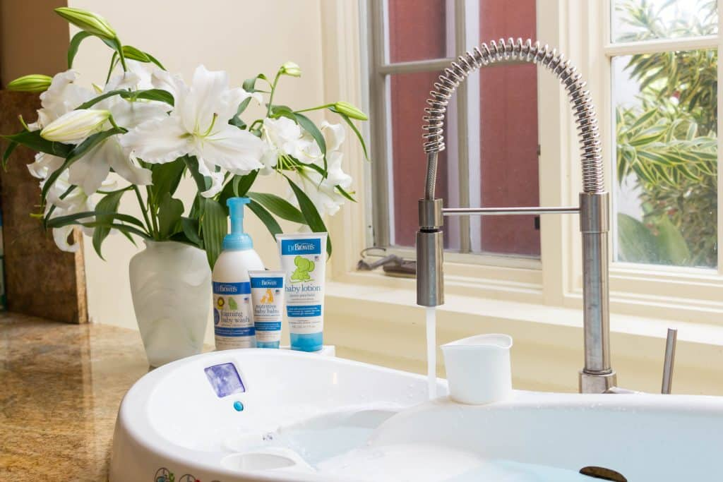 4moms, 4moms infant tub, 4moms infant tub review, Dr. Brown's skincare