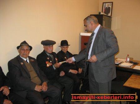 Veteranlara mükafatlar verildi