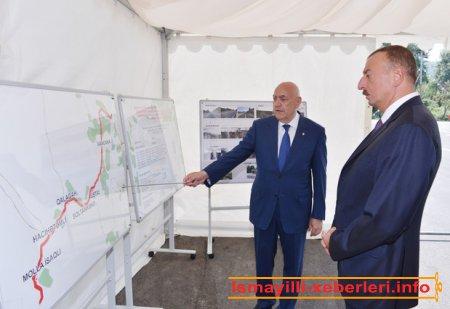 İlham Əliyev İsmayıllıda İvanovka-Hacıhətəmli-Mollaisaqlı avtomobil yolunun açılışında iştirak etmişdir