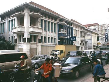 https://i2.wp.com/www.isme-ix.org/Bandung/bandung_street_1.jpg