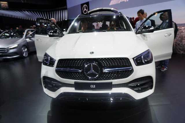 Yeni Mercedes GLE, Paris Otomobil Fuarında Sergileniyor