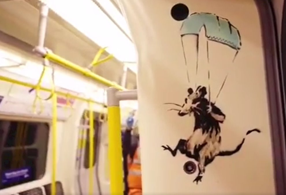 Banksy estrenó nueva pieza dedicada al coronavirus en el metro de Londres, que fue limpiada horas después