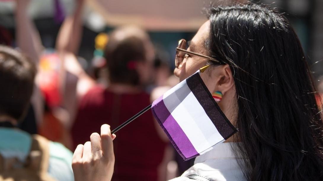 1 de cada 10 adolescentes LGBTQI+ se identifican como asexuales, según nuevo estudio