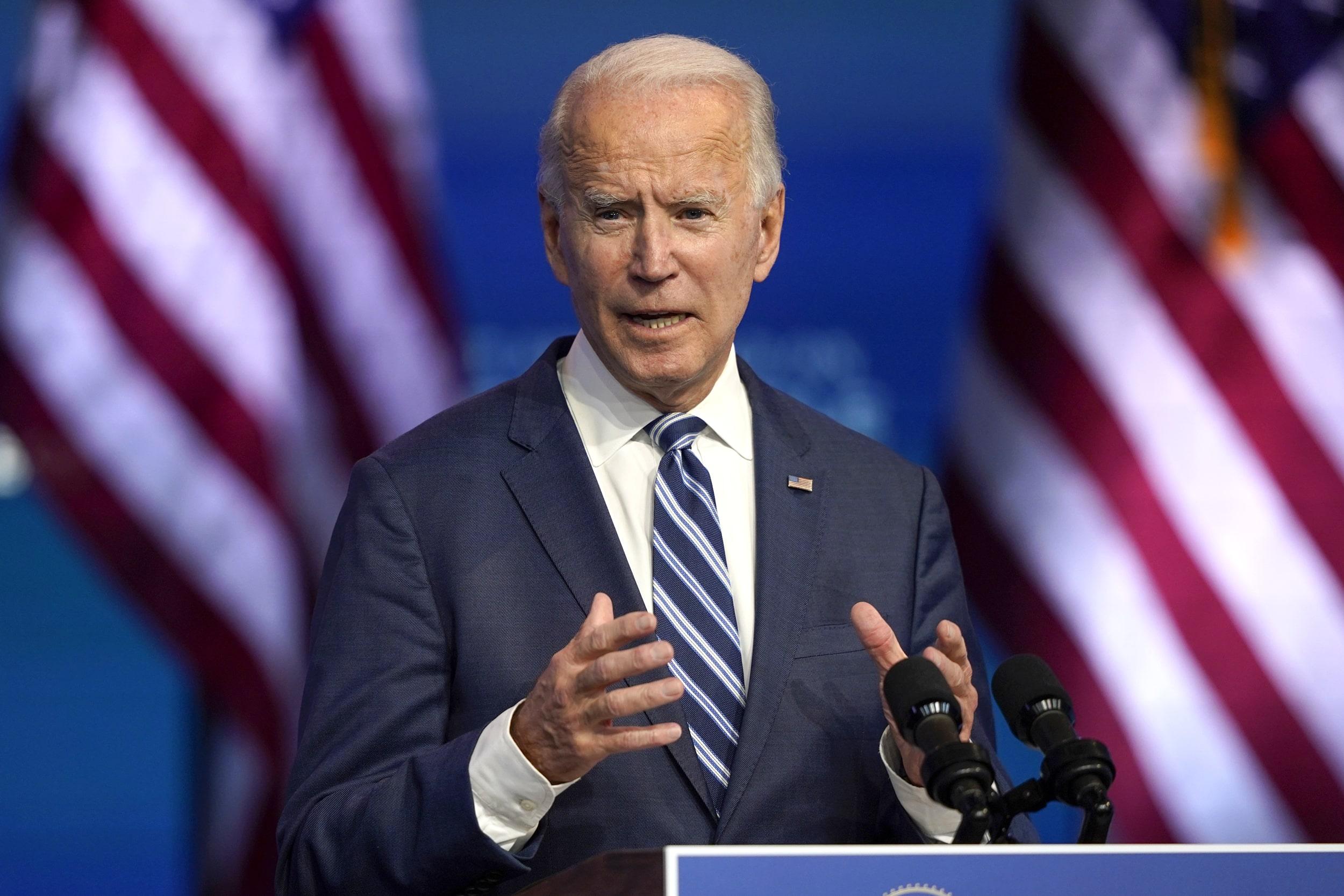 """EE.UU.: Joe Biden afirma que """"es embarazosa"""" la batalla legal de Trump por los resultados"""