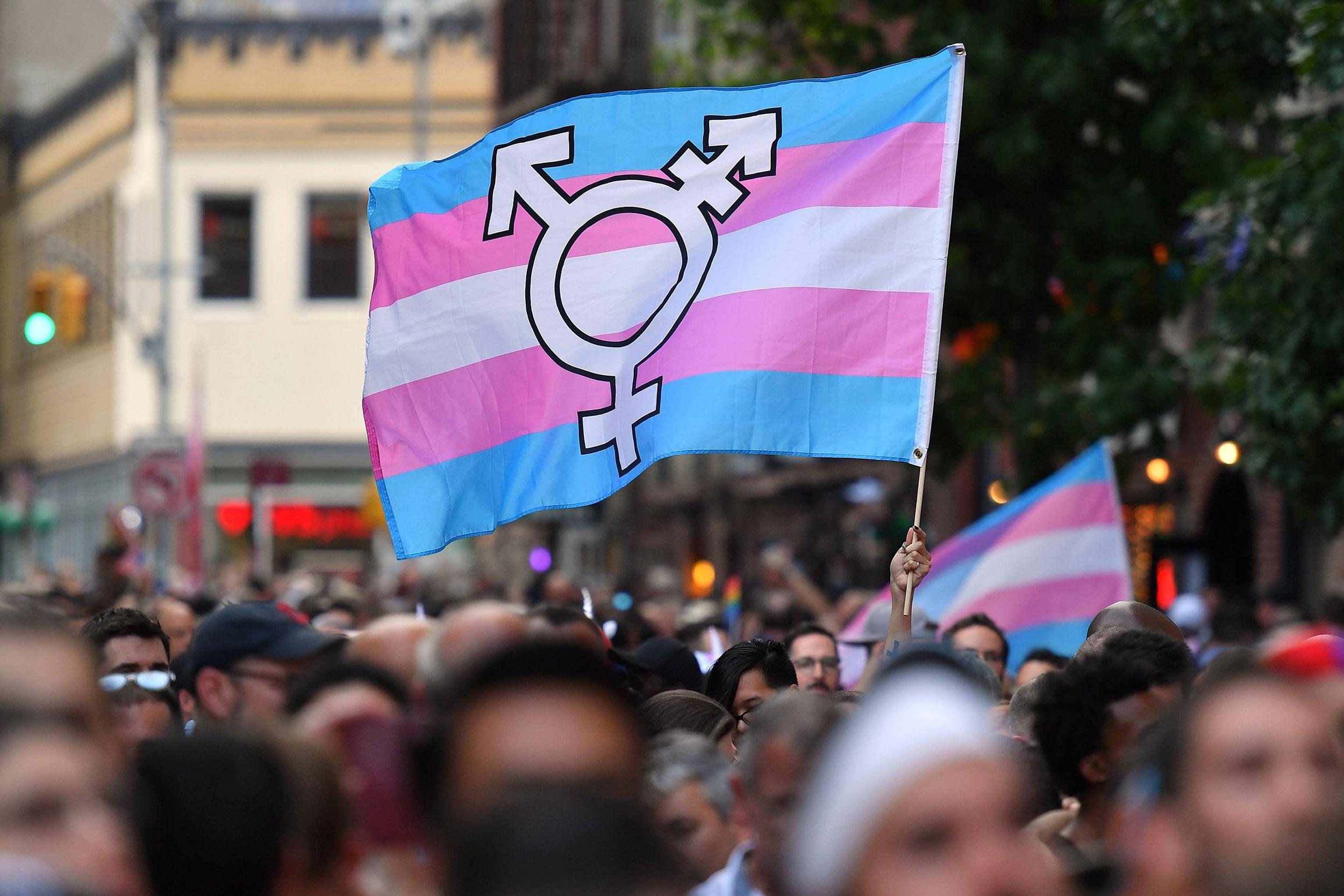Los adolescentes trans y de género fluido son más propensos a tener conductas sexuales de riesgo, según nuevo estudio