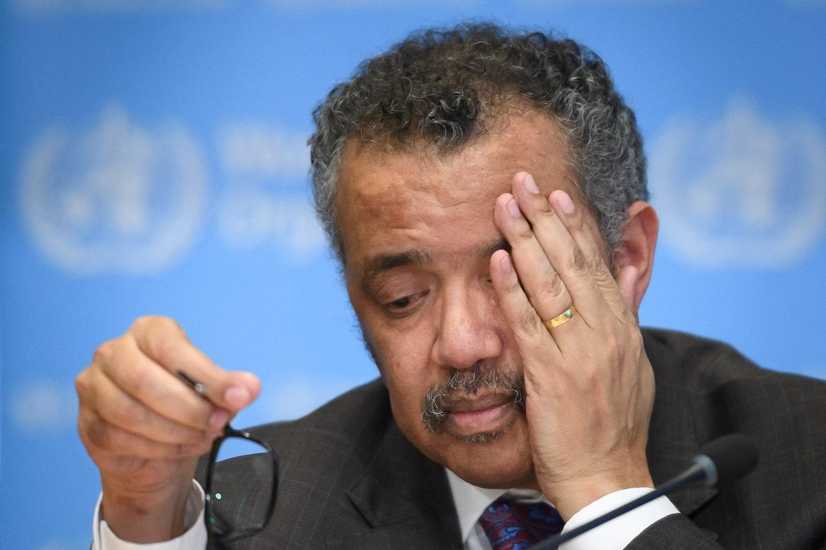 Coronavirus: Director de la OMS en cuarentena tras contacto con caso positivo; Portugal confinará al 70% de su población