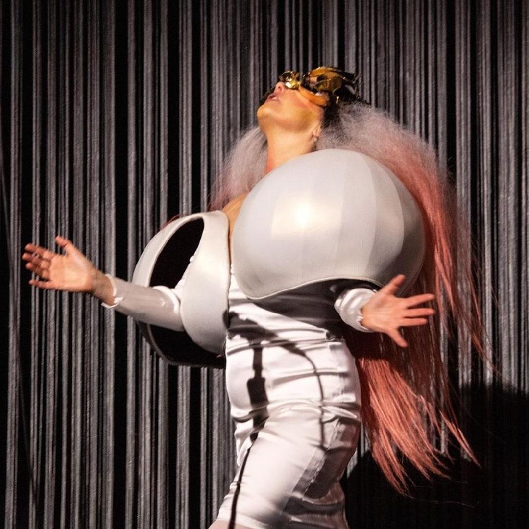 8 lanzamientos recientes que debes escuchar: Björk + Greentea Peng + Nathy Peluso y más