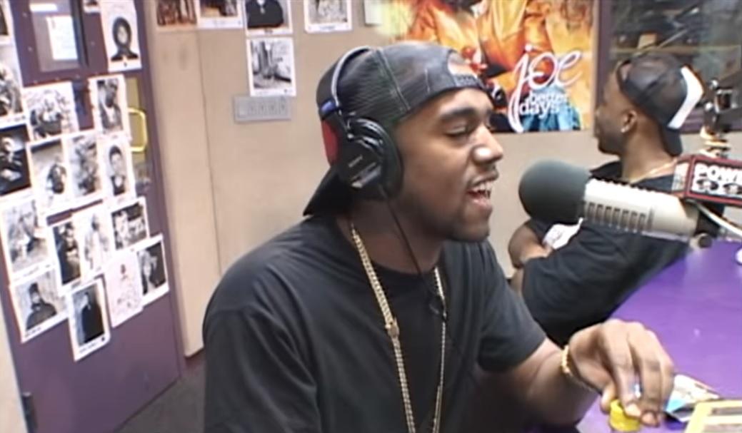 ¿Recuerdas cuando a Kanye West se le cayó un diente mientras hacía un freestyle en directo?