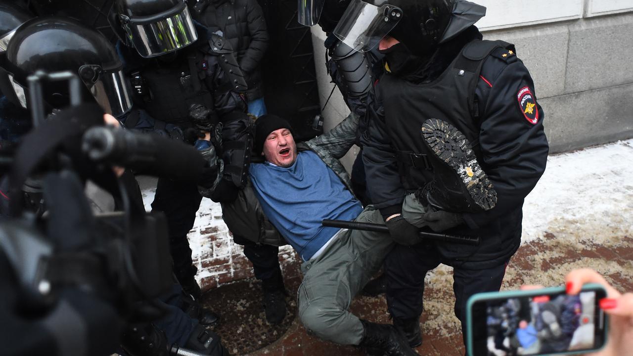 Rusia: Más de 5.000 personas arrestadas en protestas a favor de Alexei Navalny