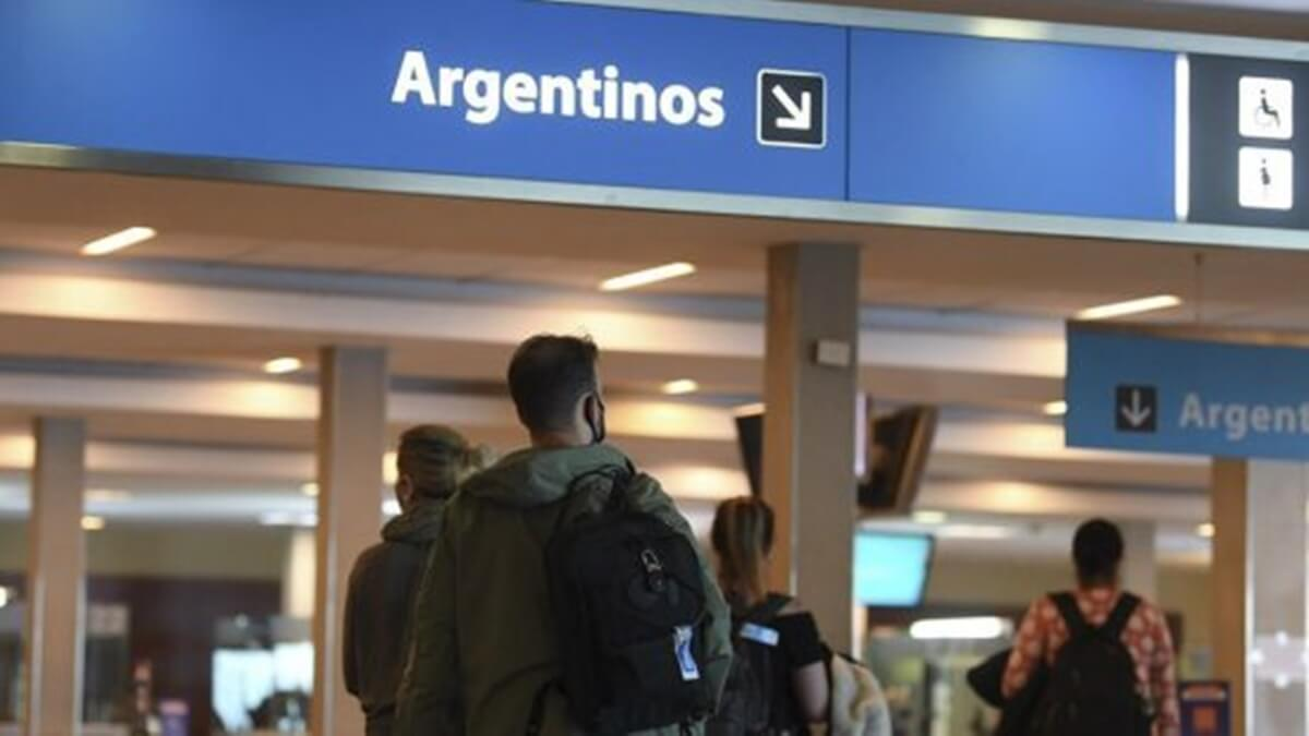 Coronavirus: Chile autoriza la realización de cultos religiosos en cuarentena; Argentina prohíbe la llegada de vuelos desde Chile, Brasil y México