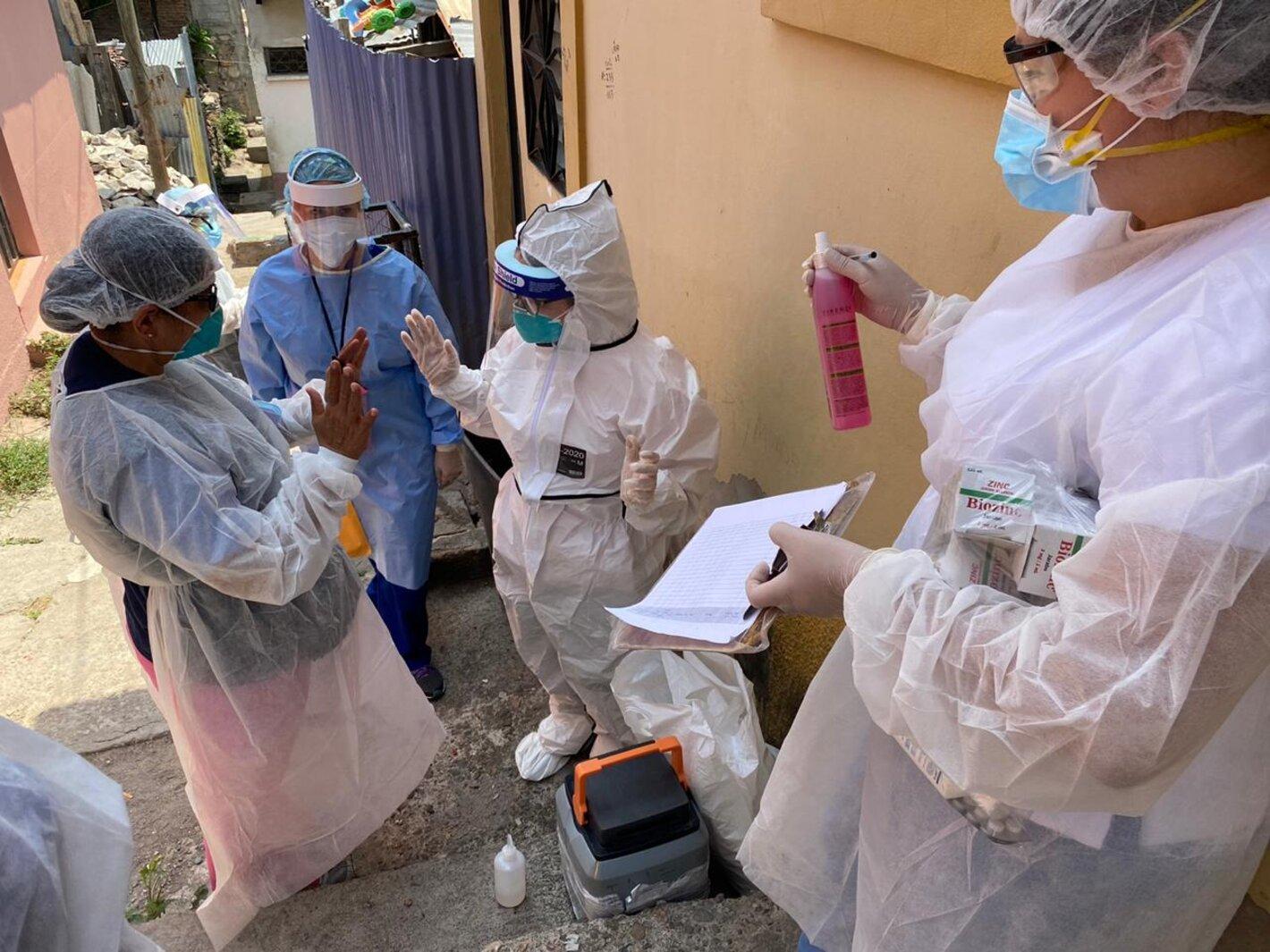 Coronavirus: Trabajadores sanitarios sufrieron más de 400 ataques violentos; Venezuela recibe 500.000 vacunas Sinopharm