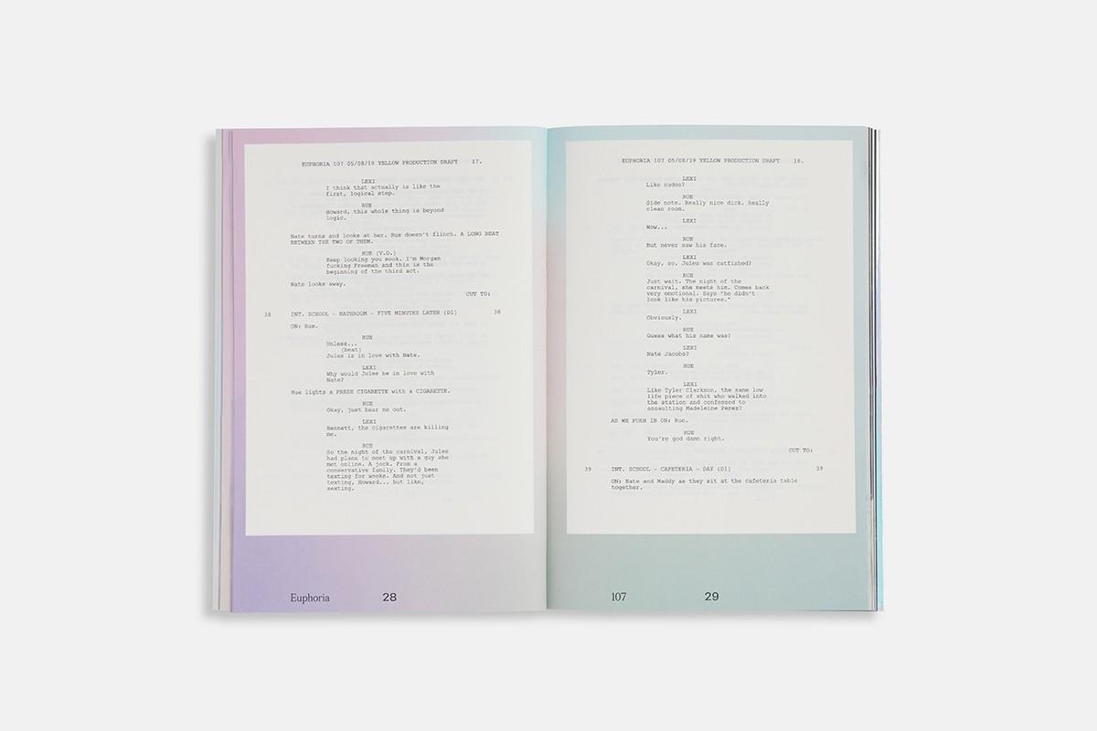 """Una muestra de los nuevod libros de """"Euphoria"""". Fotografía: A24"""
