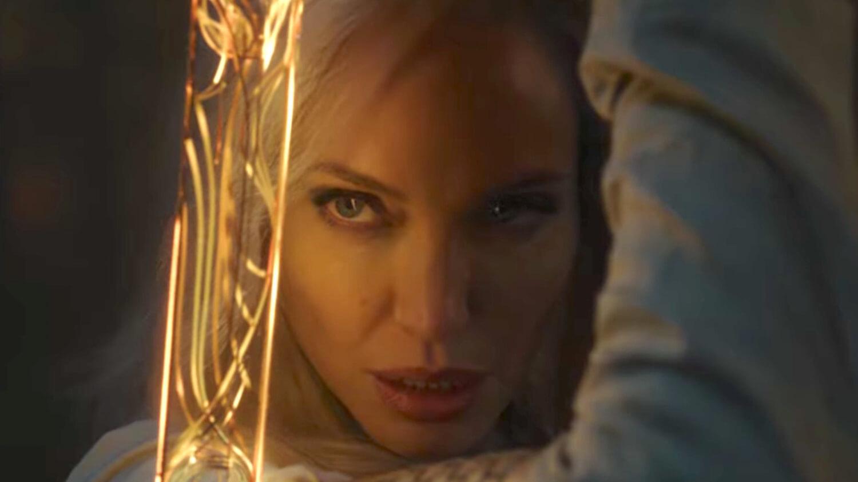 """Marvel revela las primeras imágenes de """"Eternals"""", la esperada cinta de Chloé Zhao para el MCU con Angelina Jolie"""