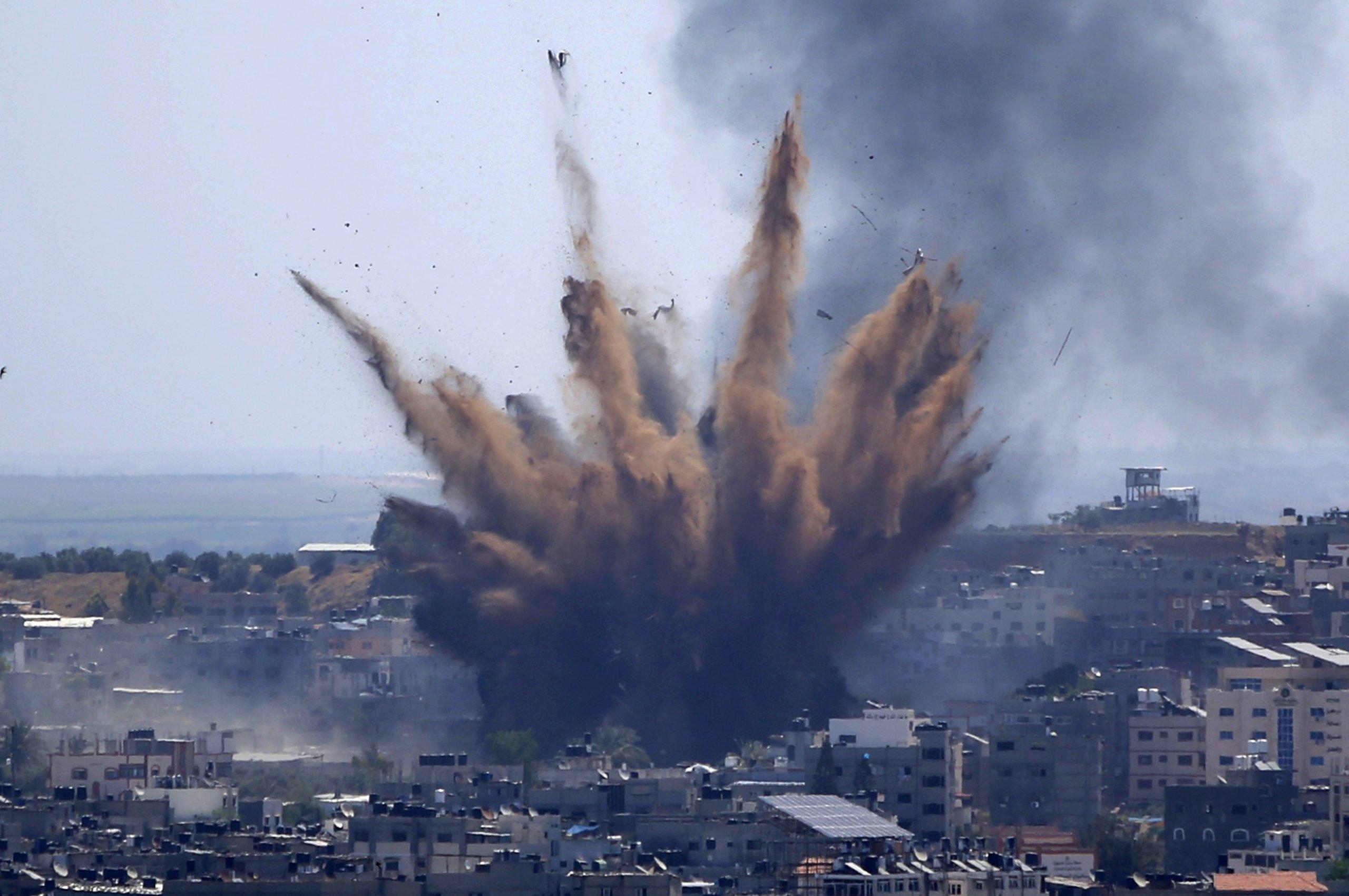 Medio Oriente: Israel despliega su artillería con ataques aéreos a la Franja de Gaza