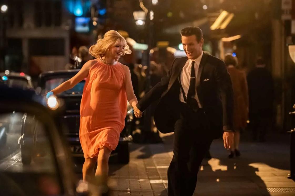 """Anya Taylor-Joy viaja en el tiempo en el primer trailer de """"Last Night In Soho"""", lo nuevo de Edgar Wright"""