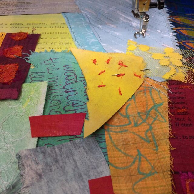 After warming up the sewing machine with my oversized patchwork, I started in on another piece from the #palimpsestparadetextilecourse that's been waiting patiently on one side for a few weeks now.   I've a botanic garden visit planned for tomorrow morning, so I'm hoping the rain will hold off for me to do some more thumbnail sketches.