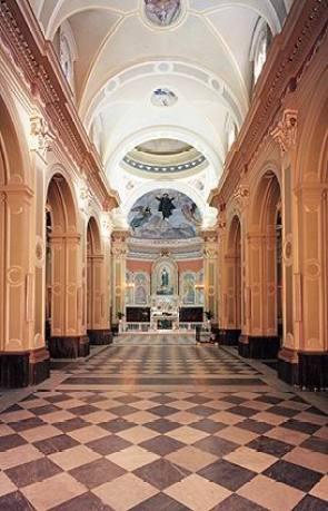 Interno della vecchia basilica