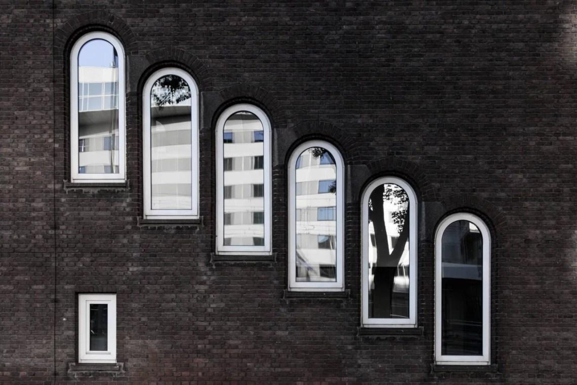 Old Rotterdam windows