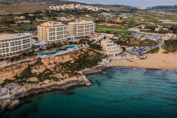 golden bay con hotel Radisson