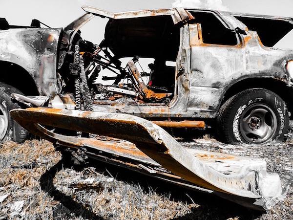 事故車を買い替えるか修理するかは考慮すべきことがいくつもある