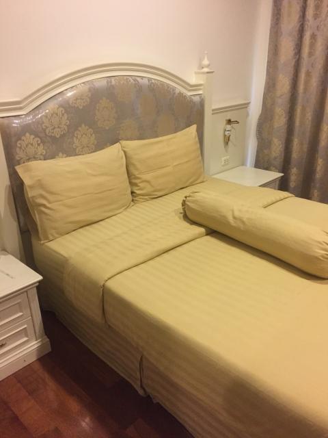 枕の高さはベッドの柔らかさも注意