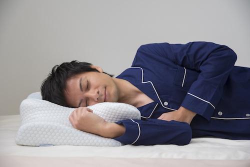 気道が確保しやすい枕を使う