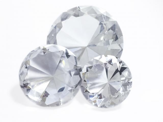 不要・いらないダイヤモンド・宝石などの処分方法について