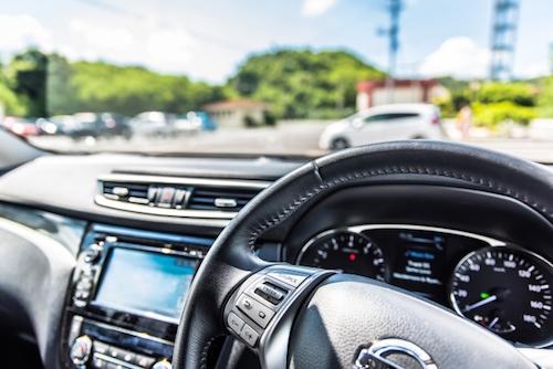 車を高く売るには下取りか買取か、どちらがいいの?