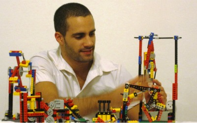 Building future engineers with Lego   ISRAEL21c Amir Asor