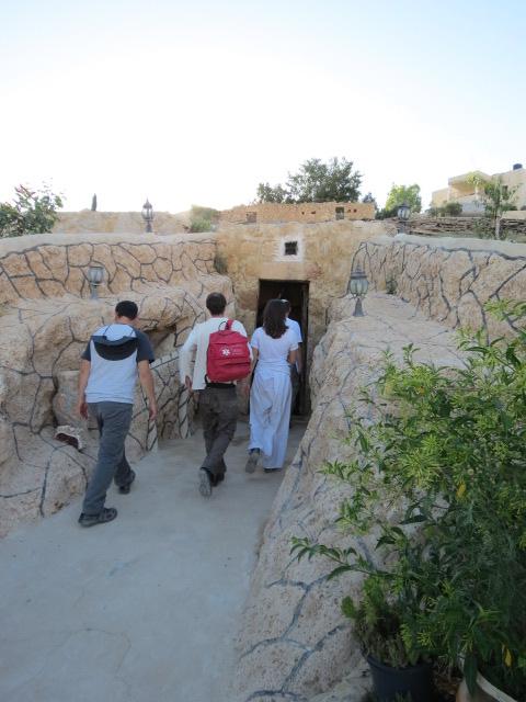 Cave home in Darejat