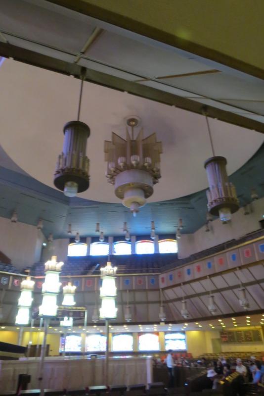 The Main Synagogue lighting