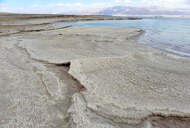 Halite deposits (salt) on the western Dead Sea coast, Israel. Photo: Wilson44691