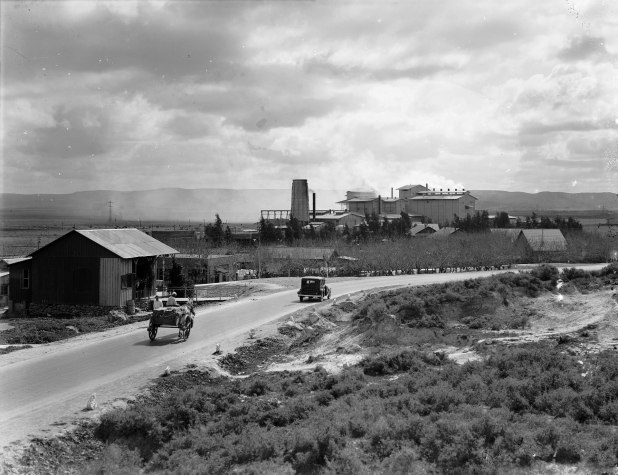 Nesher Cement factory, 1924