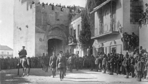 The victorious General Allenby dismounted, enters Jerusalem on foot out of respect for the Holy City, 11 December 1917