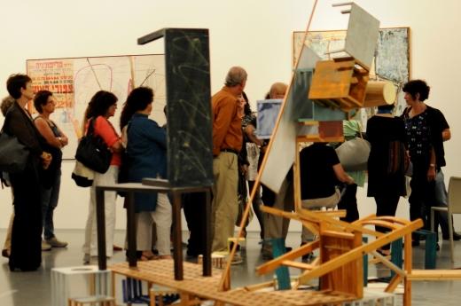 Экскурсии с писателями  в Музее Израиля. Фото: Наама Ноах
